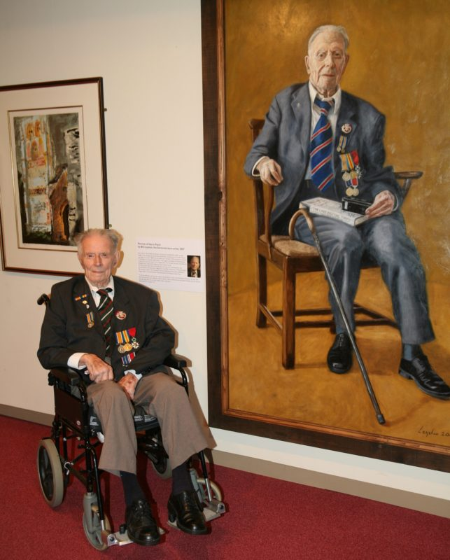 Harry Patch with his portrait